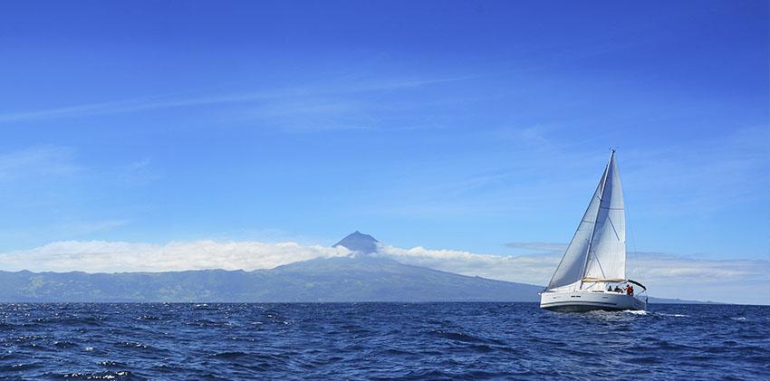 Azores, São Jorge - Sailing near Pico Island