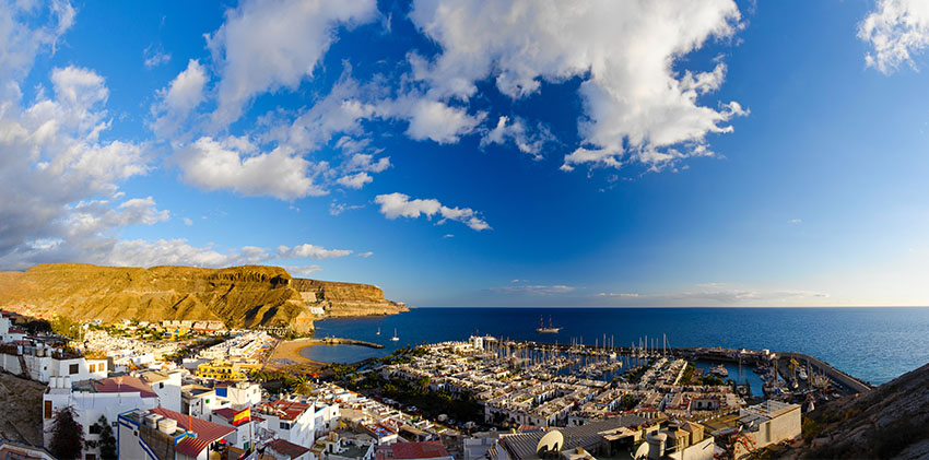 Spain, Grand Canaria - Puerto de Mogan Bay