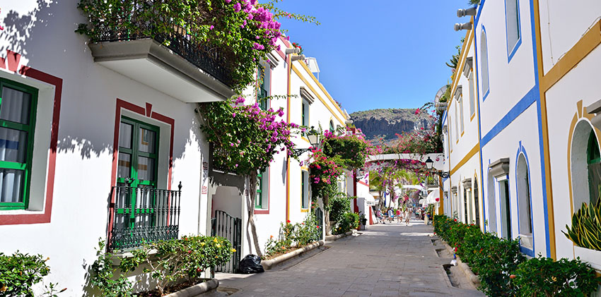 Spain, Grand Canaria - White Houses Puerto de Mogan