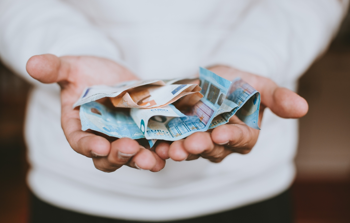 a-moeda-oficial-dos-açores-é-o-euro-como-na-uniao-europeia
